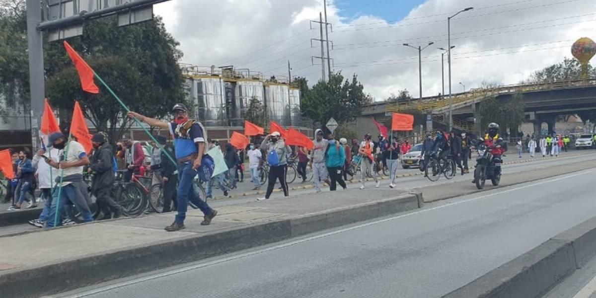 Manifestantes contra la cuarentena en Ciudad Bolívar bloquean la Autopista Sur