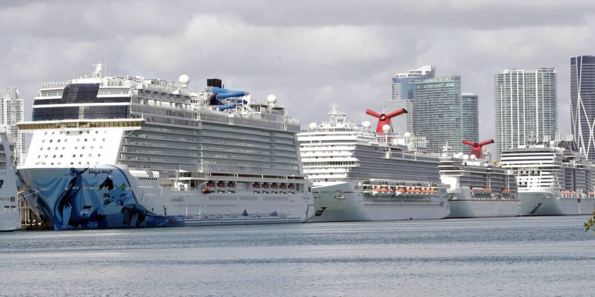 40.000 trabajadores de cruceros siguen en altamar por el coronavirus