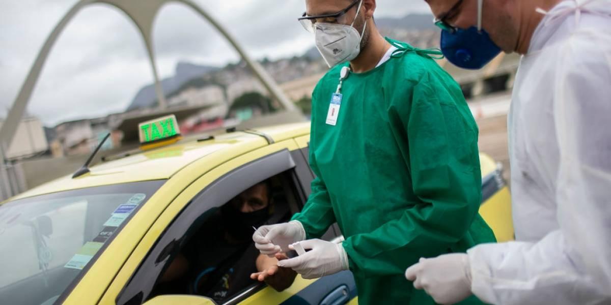 Brasil passa 1,6 milhão de casos de covid-19, com quase 65 mil mortes