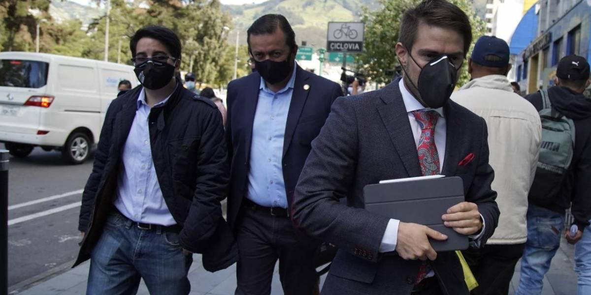 Fabricio Villamar pide en Fiscalía allanamientos a 12 empresas públicas por presunto uso de dinero público en Consulta Popular de 2018