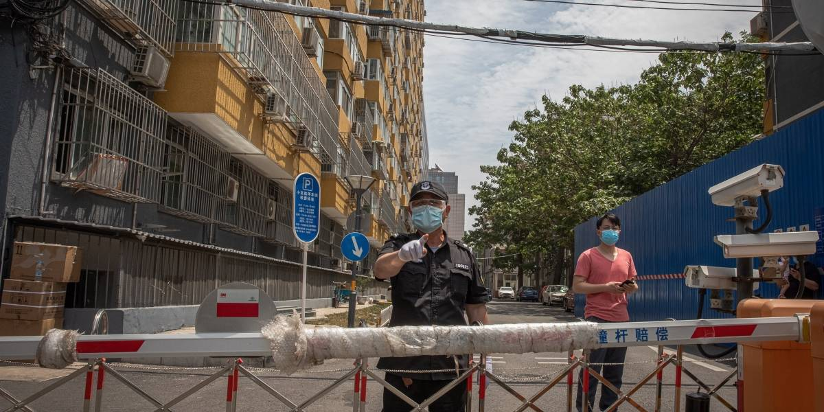 China anuncia 'situación extremadamente grave' por nuevo brote de COVID-19 en Pekín
