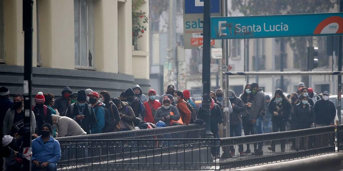 """Bloomberg: """"Chile siguió el ejemplo de las naciones ricas solo para darse cuenta, una vez más, de que un gran porcentaje de sus ciudadanos son pobres"""""""