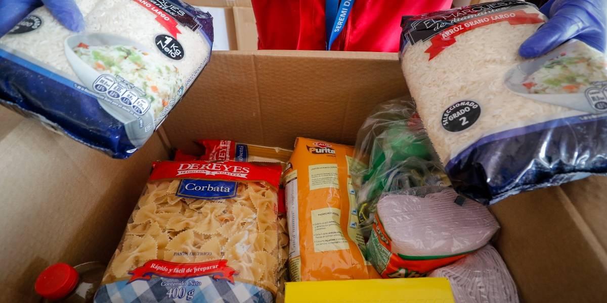 Gobierno anuncia segunda entrega de cajas de alimentos: 3 millones a todo Chile y suman productos personales