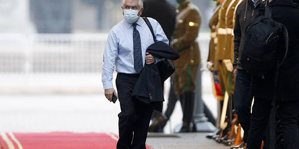 Ministro Enrique Paris desmiente mensaje de redes sociales que da por hecho inicio de hibernación en Santiago