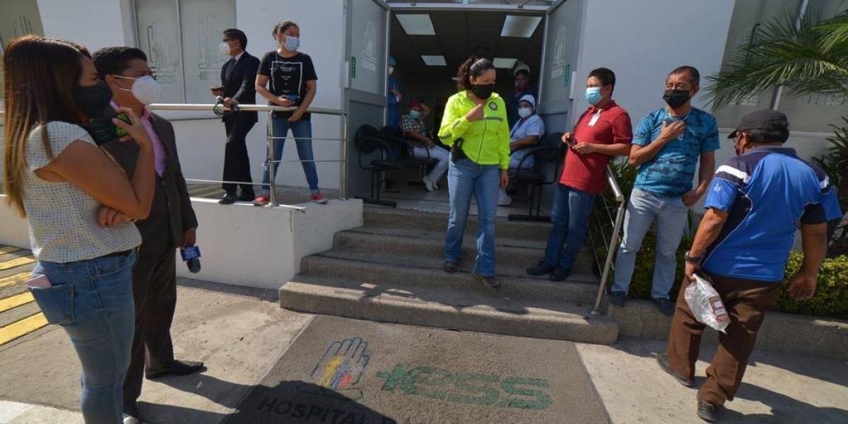 13 detenidos por presuntas irregularidades en contrataciones en el Hospital del IESS de Durán