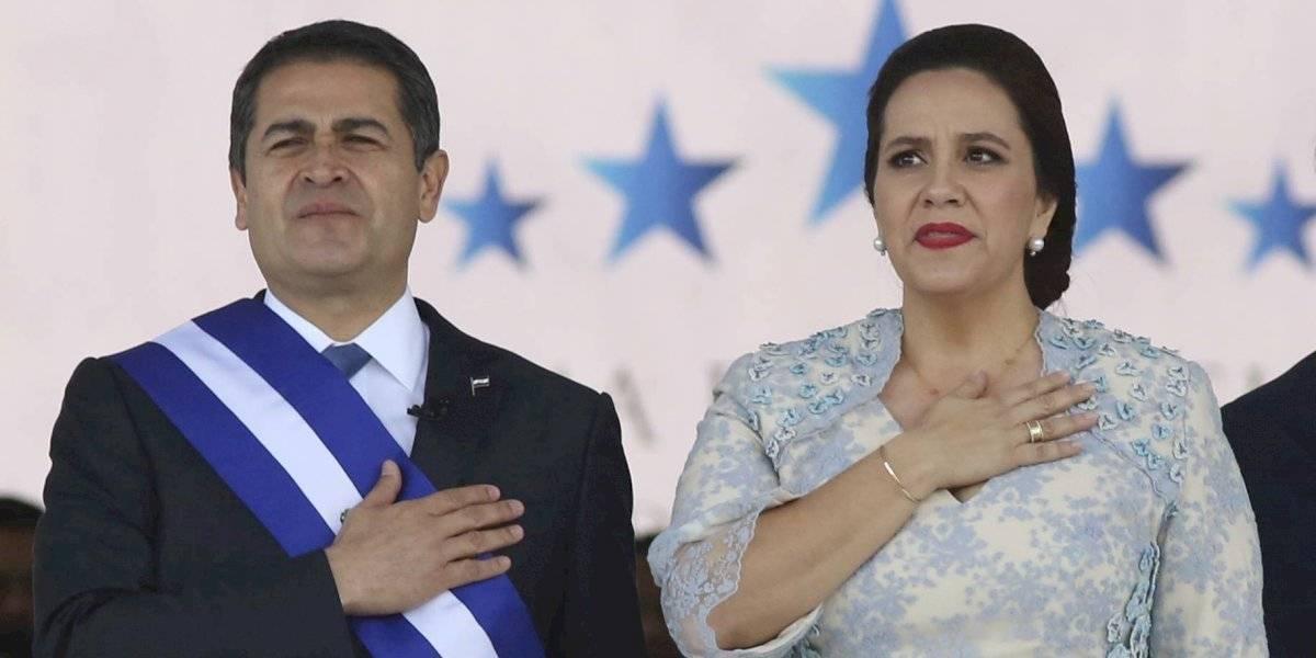 Presidente de Honduras es hospitalizado por COVID-19