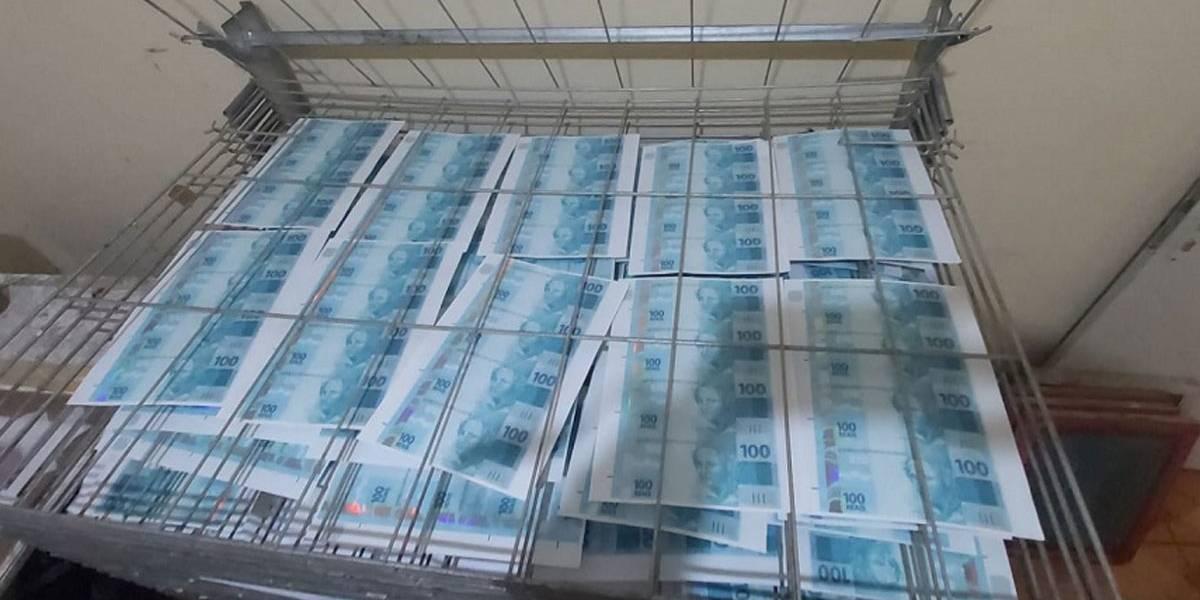 Polícia encontra fábrica de falsificação de dinheiro na zona sul de SP