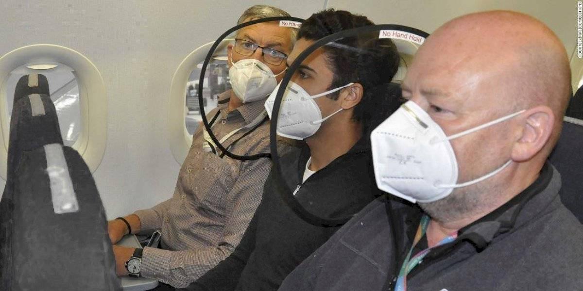 """Presentan innovador """"escudo"""" contra coronavirus para viajar en aviones"""