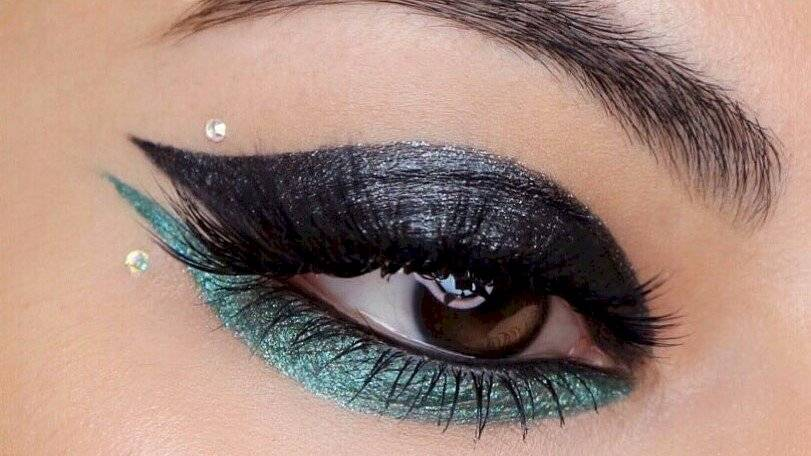 crystal makeup