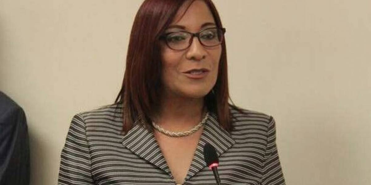 Alcaldesa de Barceloneta reclama a la gobernadora vete el Código Electoral
