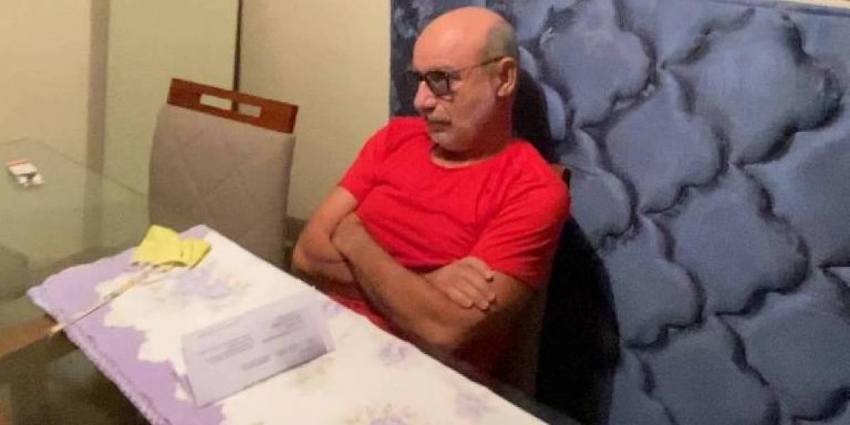 Fabrício Queiroz deixa condomínio para fazer exames