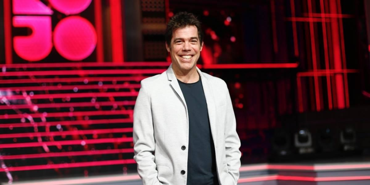 "Se enteró por la prensa: TVN desvinculó a Álvaro Escobar del canal, pero él señaló que ""no se han comunicado"""