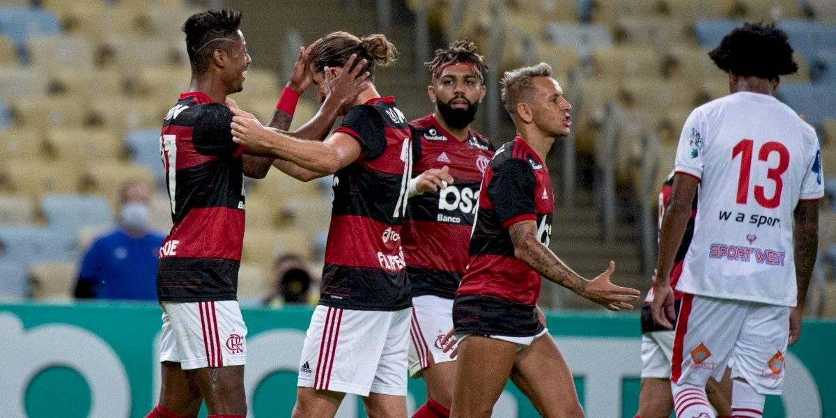Flamengo goleó: Brasil volvió al fútbol pese a rozar el millón de contagiados y los 48 mil muertos por coronavirus
