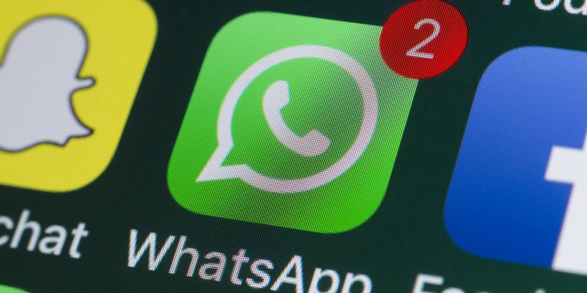 """WhatsApp: sin aplicaciones de terceros y sin aparecer """"en línea"""", así puedes leer una conversación completa"""