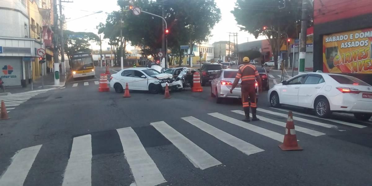 Acidente causa bloqueio em avenidas da zona leste de São Paulo