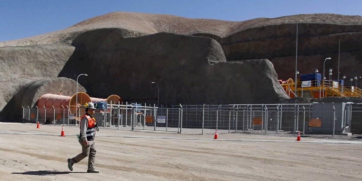 Paris plantea controlar alta circulación de trabajadores mineros en Calama