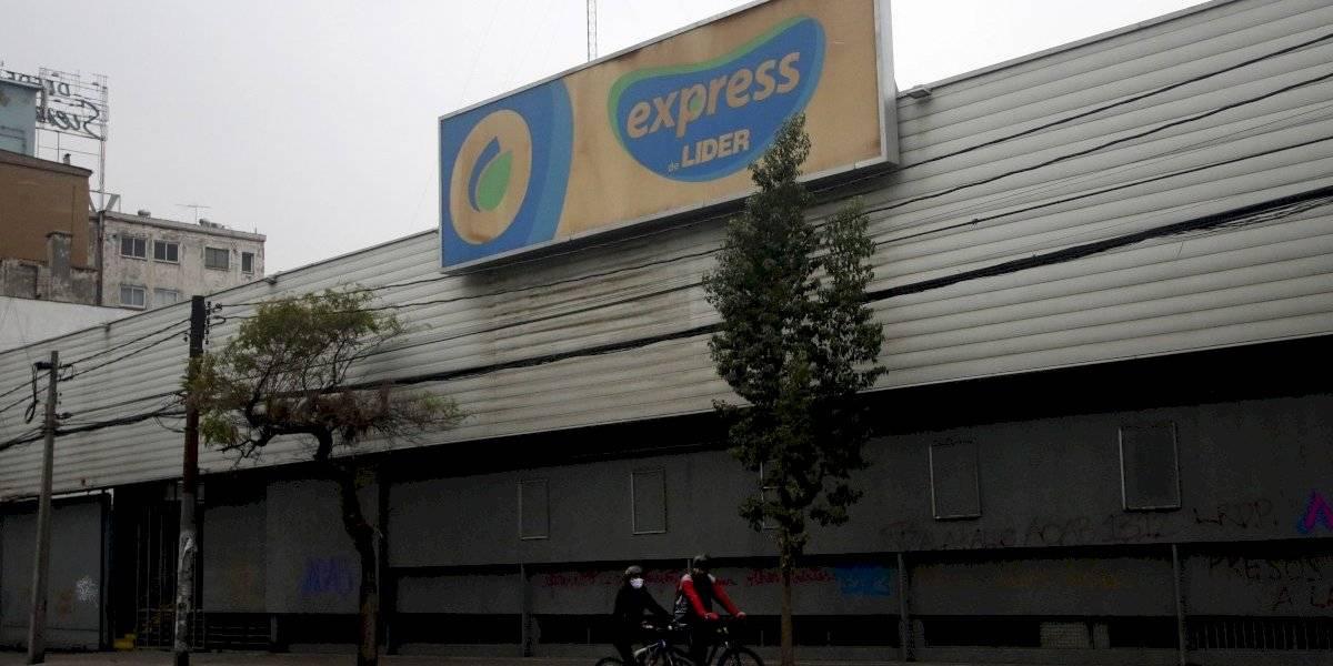 Hombre de 65 años muere dentro de supermercado de Providencia