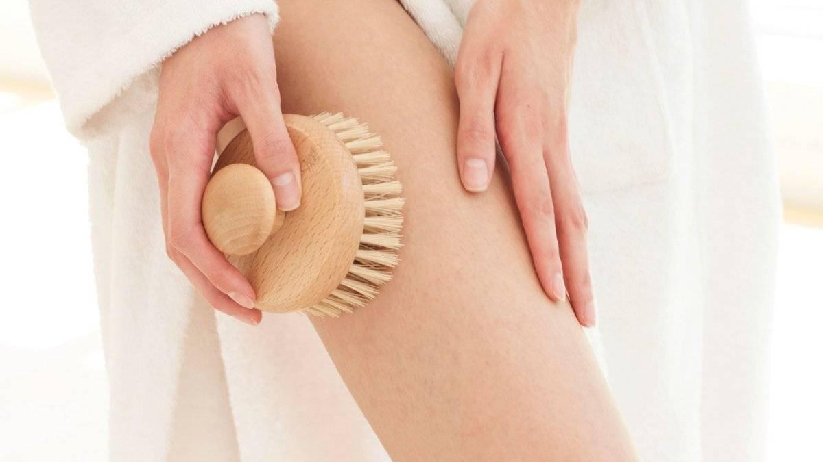 Cepillarse la piel a diario es una rutina de belleza que debes incorporar a tus tareas diarias