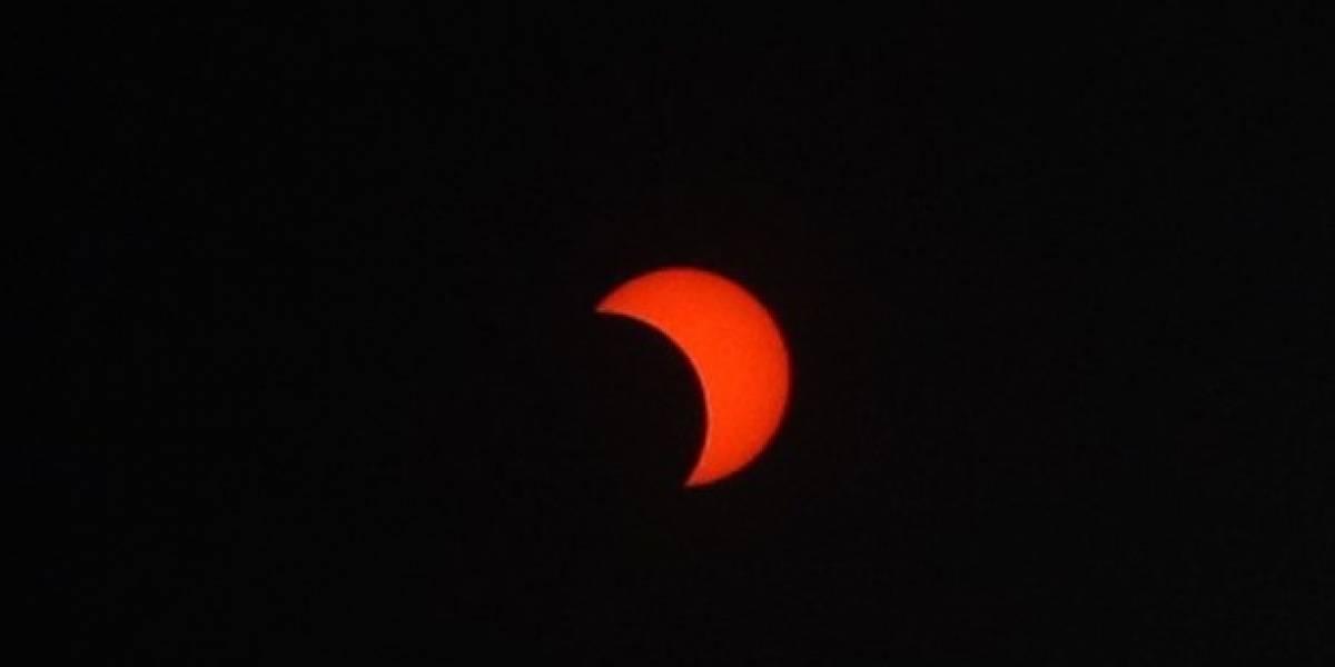 """Así se vivió el eclipse anular de Sol o """"anillo de fuego"""" en el día más largo del año"""