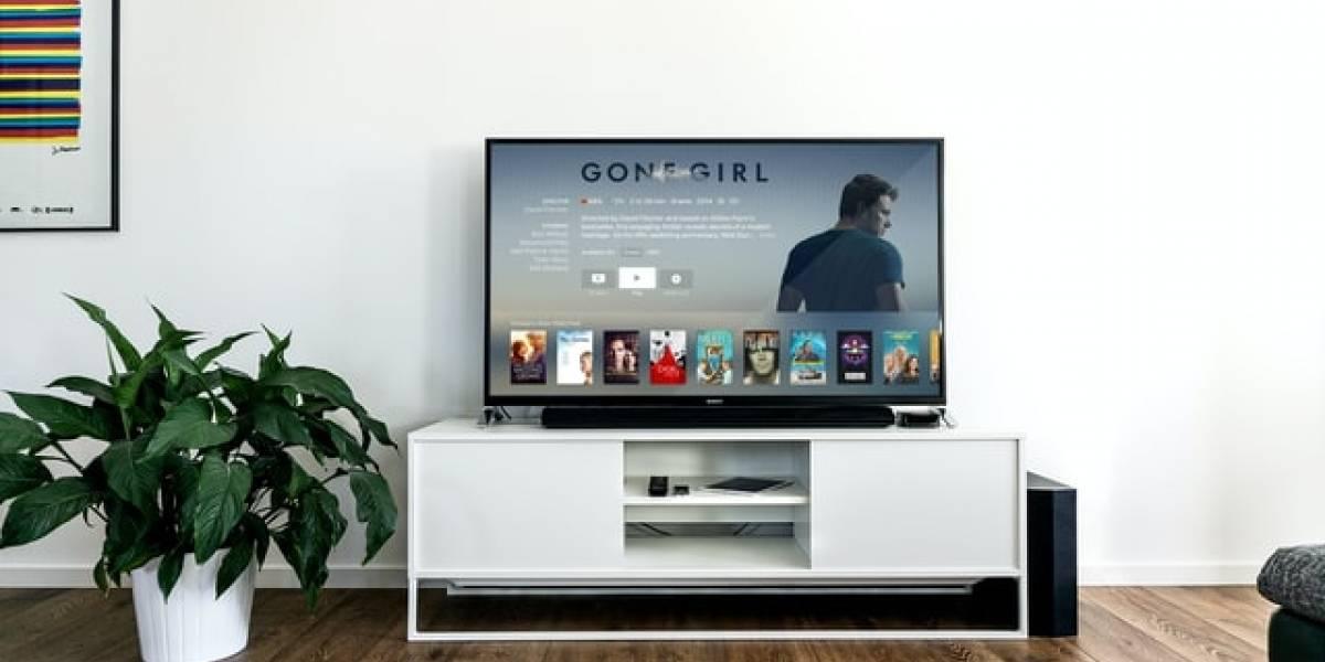 ¿Es posible controlar el volumen de la TV con una aplicación de Fire Stick?