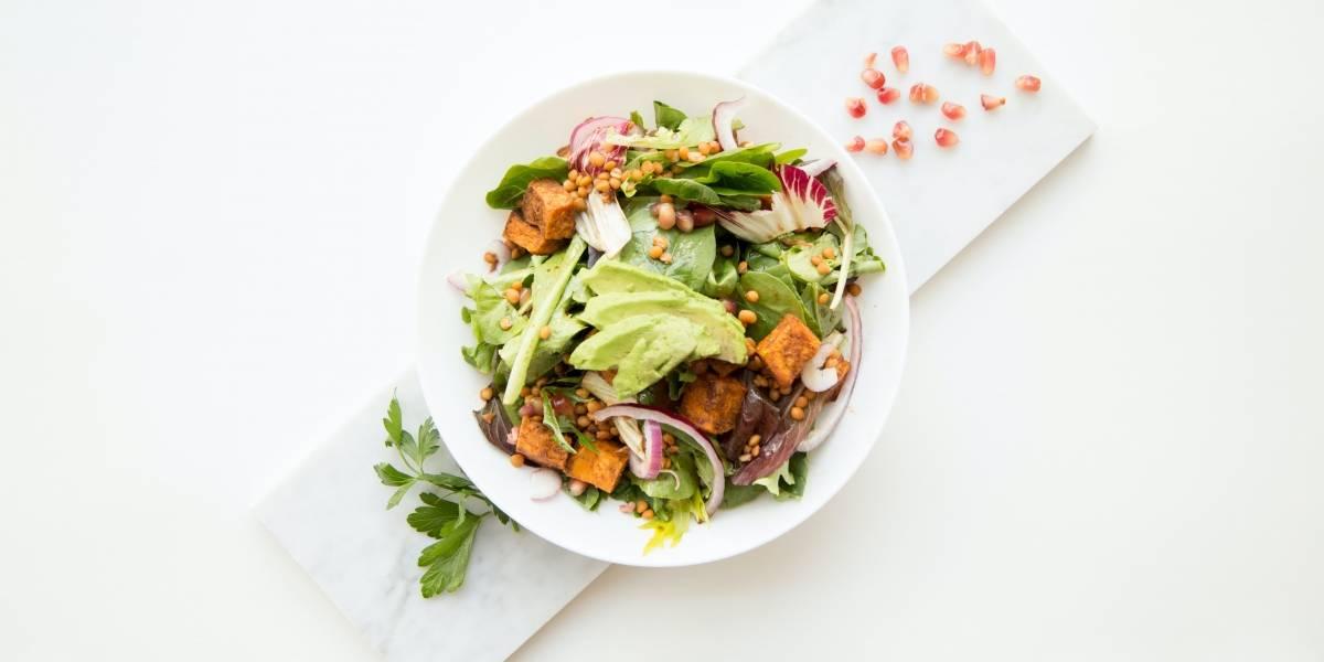 A dica para temperar a salada e conquistar um sabor divino