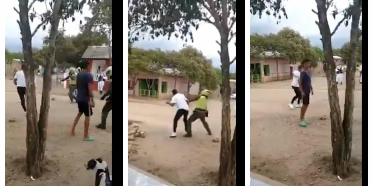 (VIDEO) Jóvenes que incumplían medidas sanitarias enfrentaron a policías a piedra