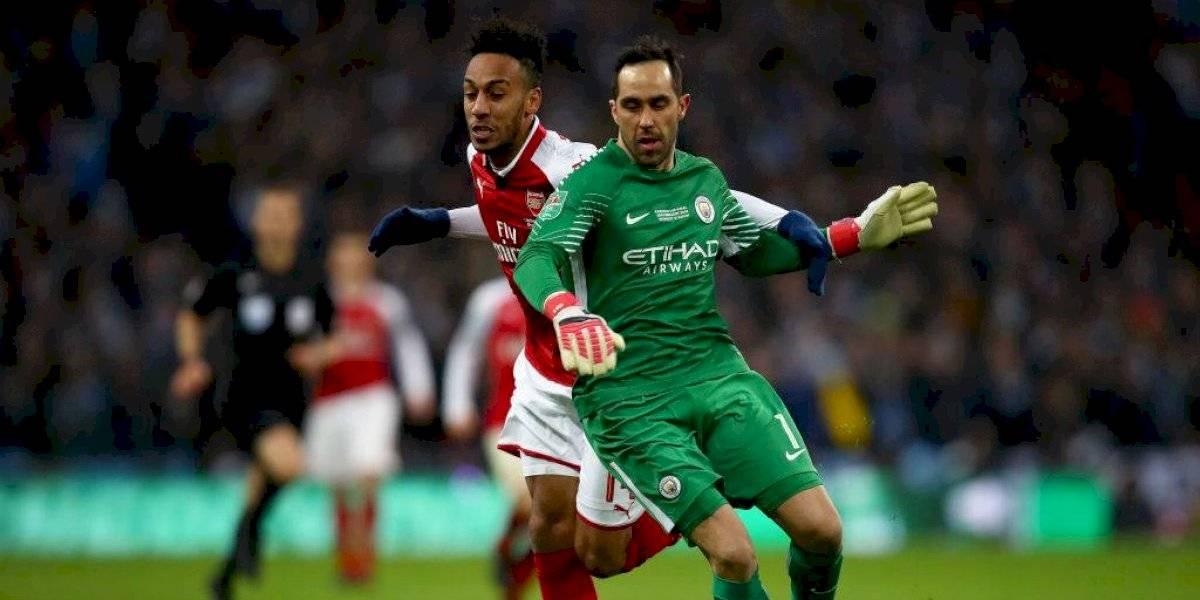 ¿Arsenal aparece en el horizonte de Claudio Bravo?