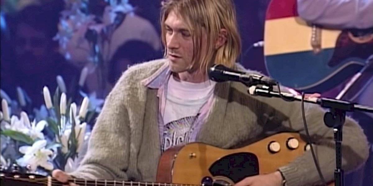 Así la guitarra que ocupó Kurt Cobain en el Unplugged de Nirvana se convirtió en la más cara de la historia