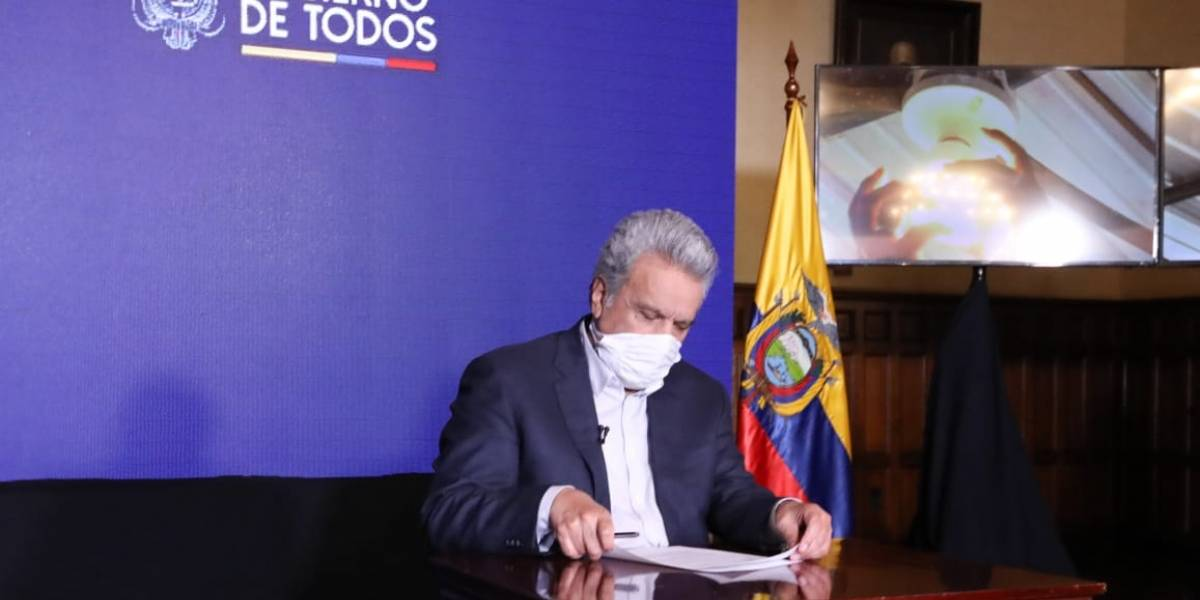 Moreno decreta indulto a detenidos con doble vulnerabilidad por COVID-19