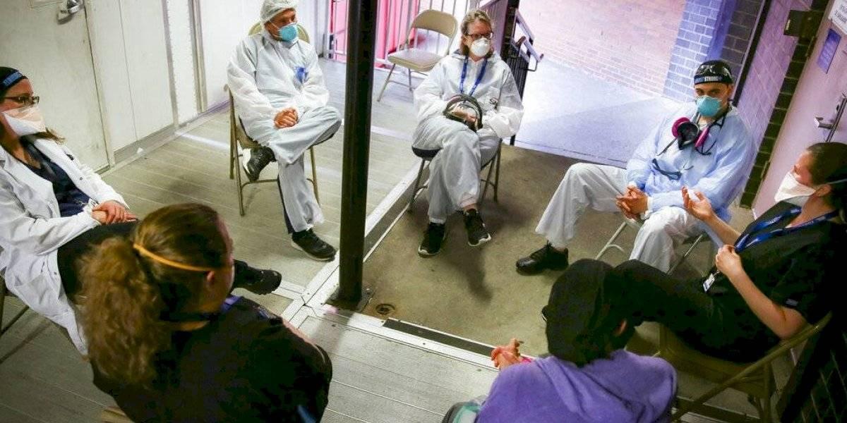 Coronavirus y la pesada carga emocional del personal médico