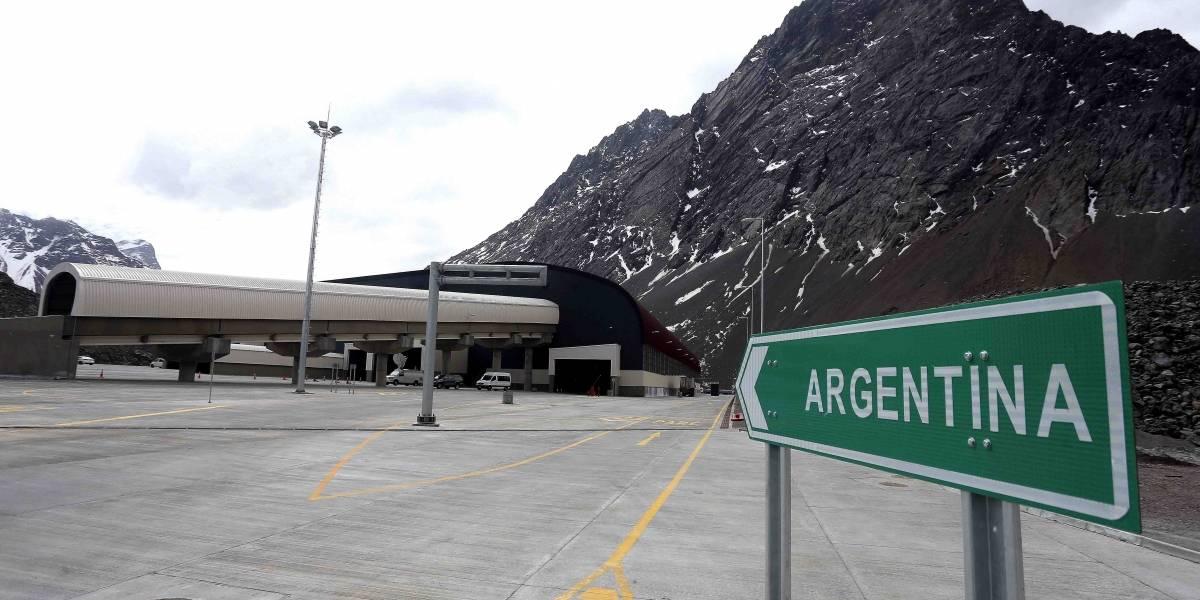 Argentina autoriza entrada de chilenos pero sólo por tres pasos fronterizos