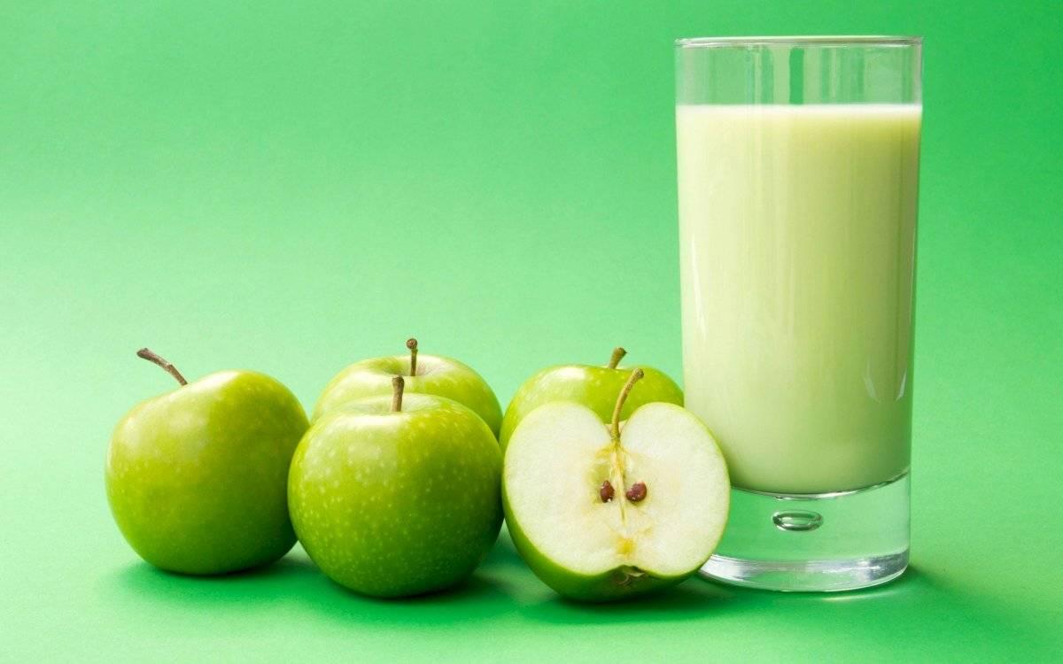 El jugo de manzana y linaza debe tomarse en ayunas.
