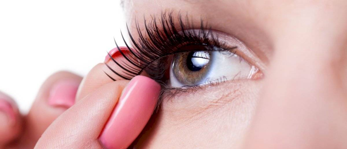 Las pestañas postizas pueden llevarte a perder la vista