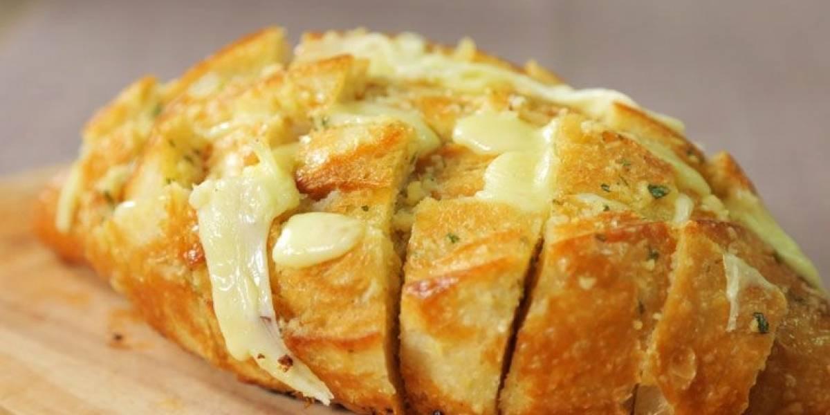 Aprenda a fazer um pão de alho super cremoso