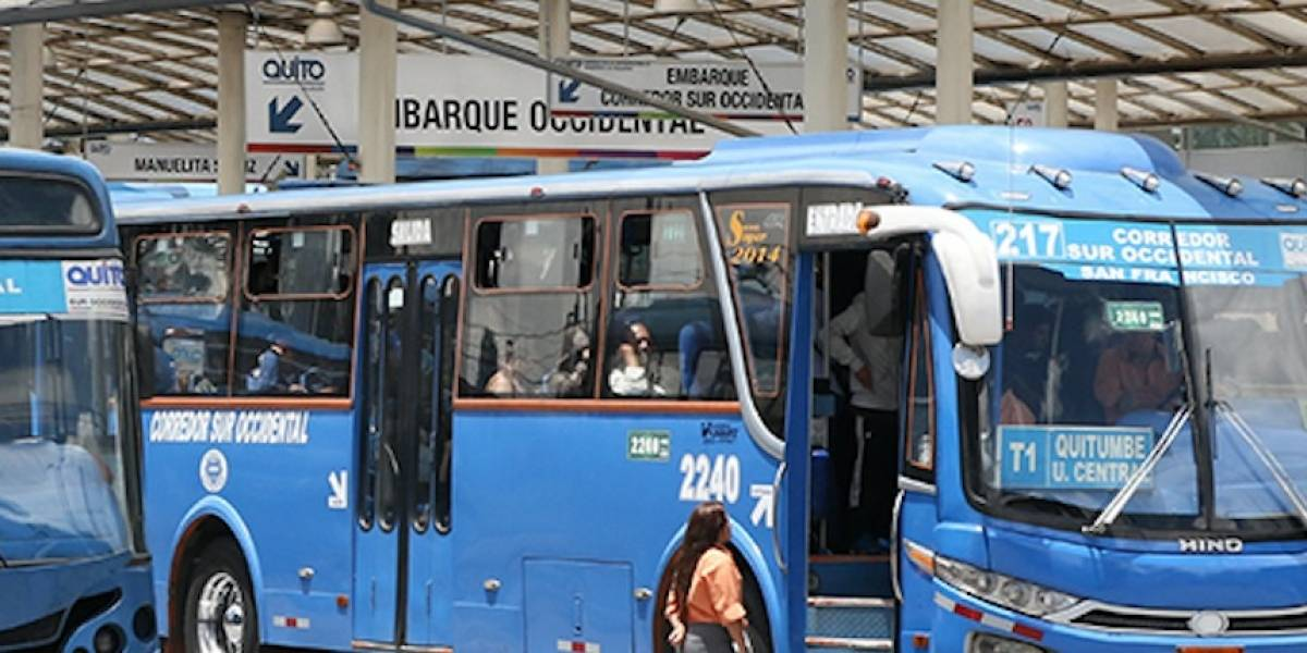 Cámara del Transporte pide aumentar pasaje en Quito a USD 0,50