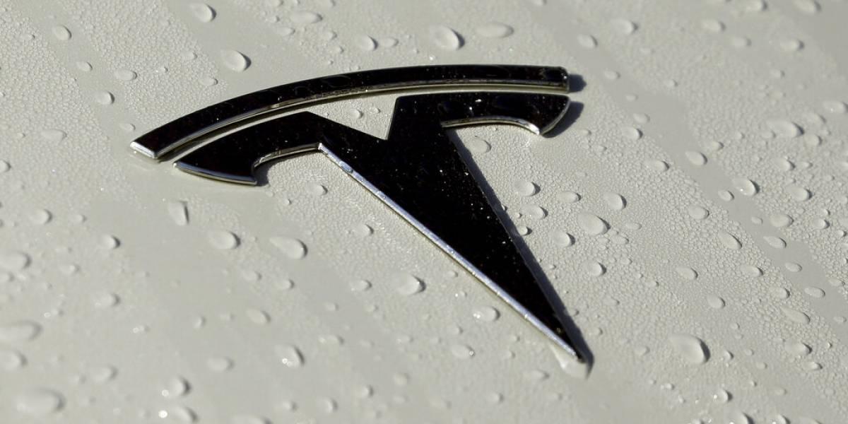 Investigan tableros digitales de los Tesla porque no funcionan bien