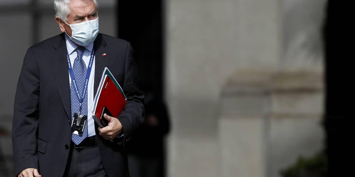 """Ministro Enrique Paris: """"Yo critiqué el retorno seguro, vuelta a normalidad y el carné de salida"""""""
