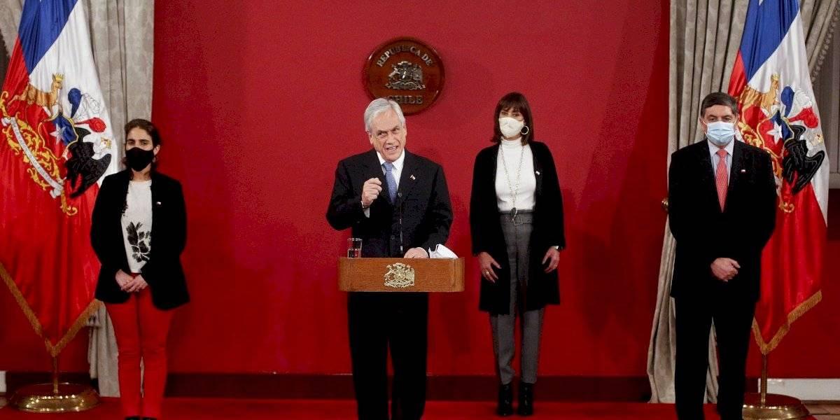 Piñera propone que madres que terminan postnatal se acojan a seguro de cesantía