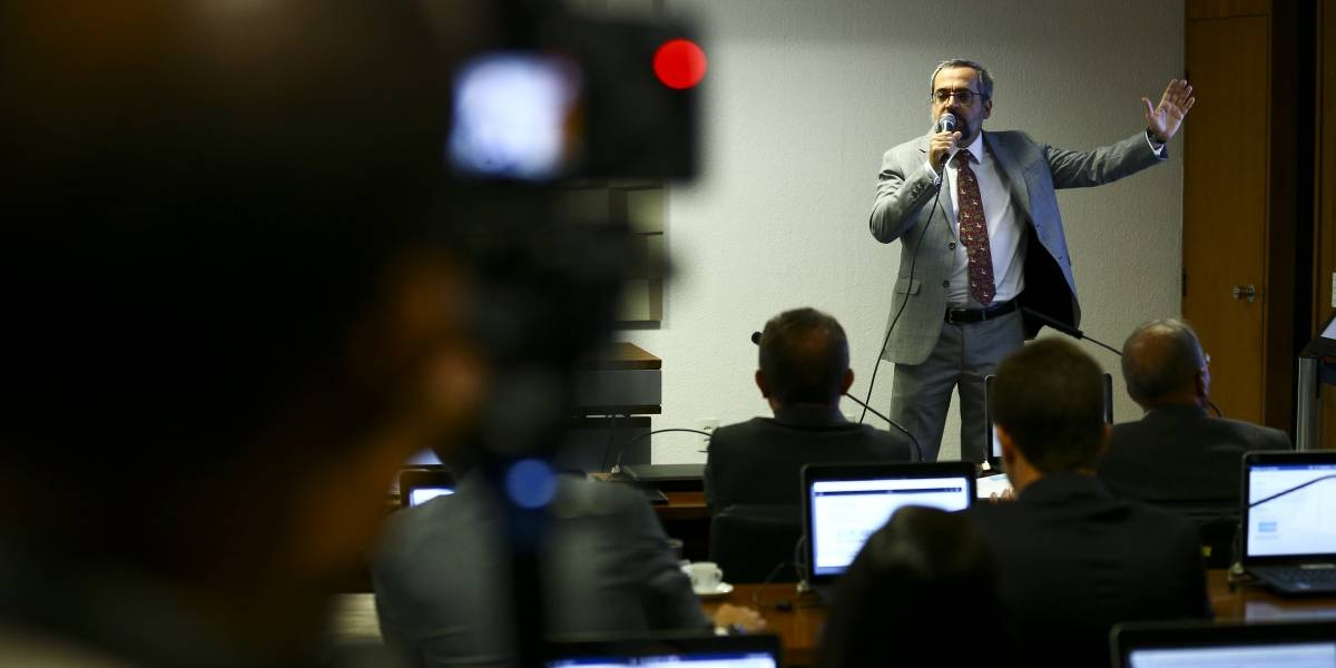 Funcionários do Banco Mundial pedem suspensão da nomeação de Weintraub