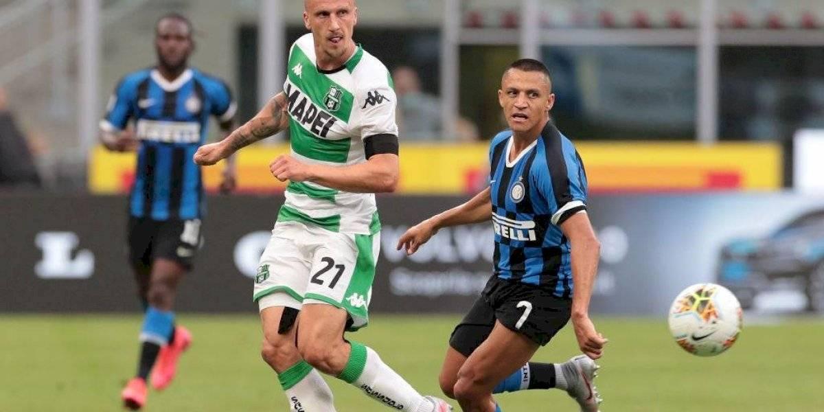 Aportó con una precisa asistencia: Alexis exhibe un gran nivel en empate del Inter ante Sassuolo