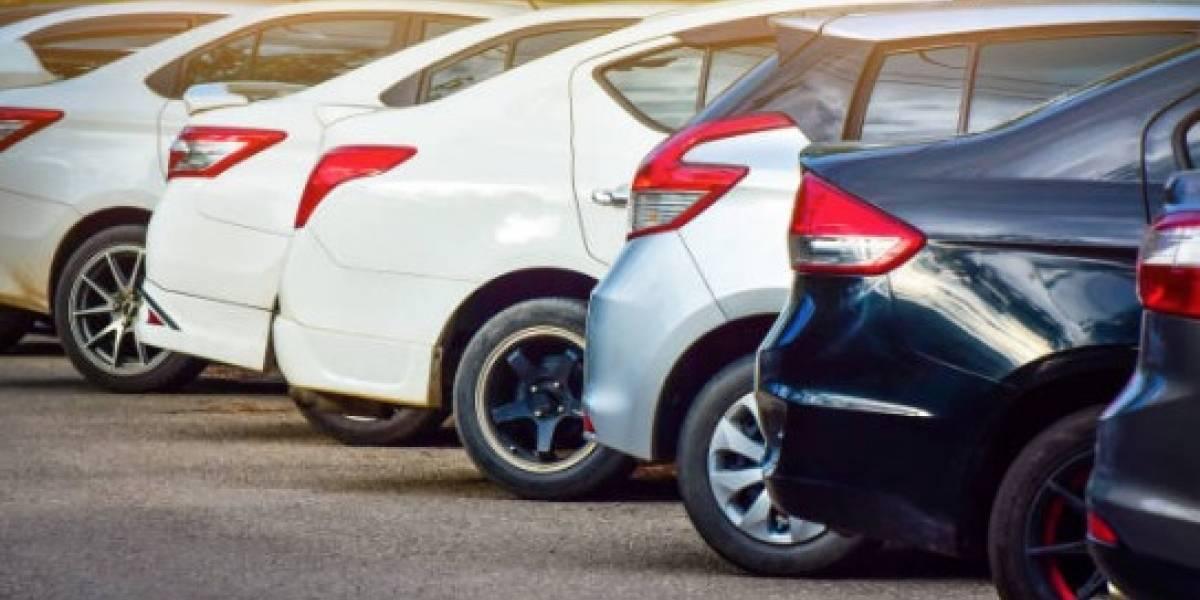 Toyota avisa de autos híbridos con problema de motor
