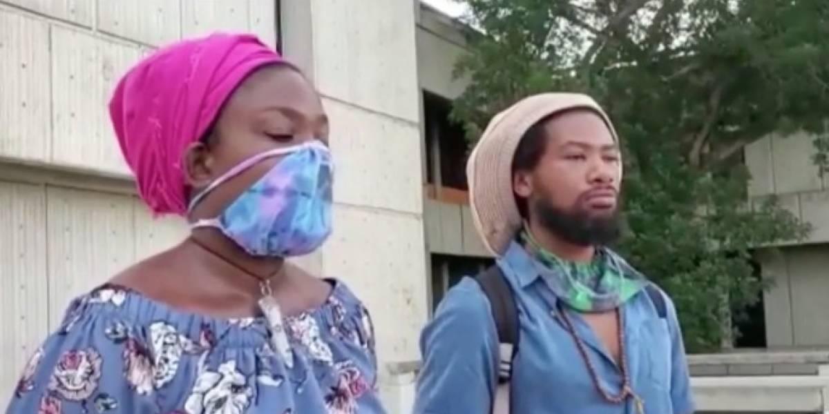 Joven pareja exige se les devuelva custodia de su bebé
