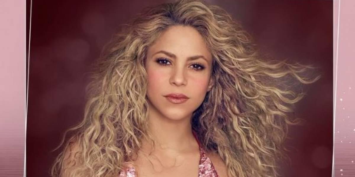 Shakira deslumbra con un leggings negro y sudadera multicolor junto a sus hijos