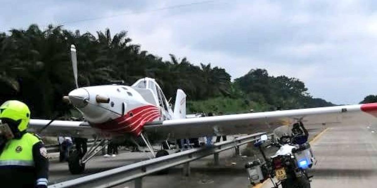 Los Ríos: avioneta aterrizó de emergencia en el anillo vial de Quevedo