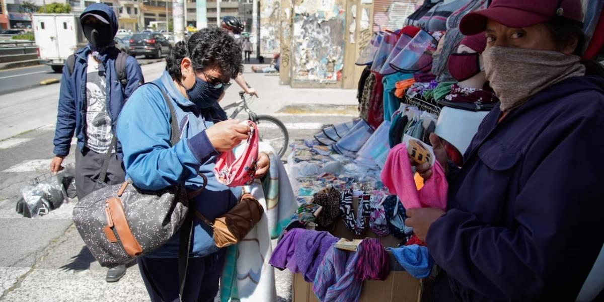 En un mes, Quito reportó 3.516 nuevos casos de COVID-19 y Guayaquil 1.106
