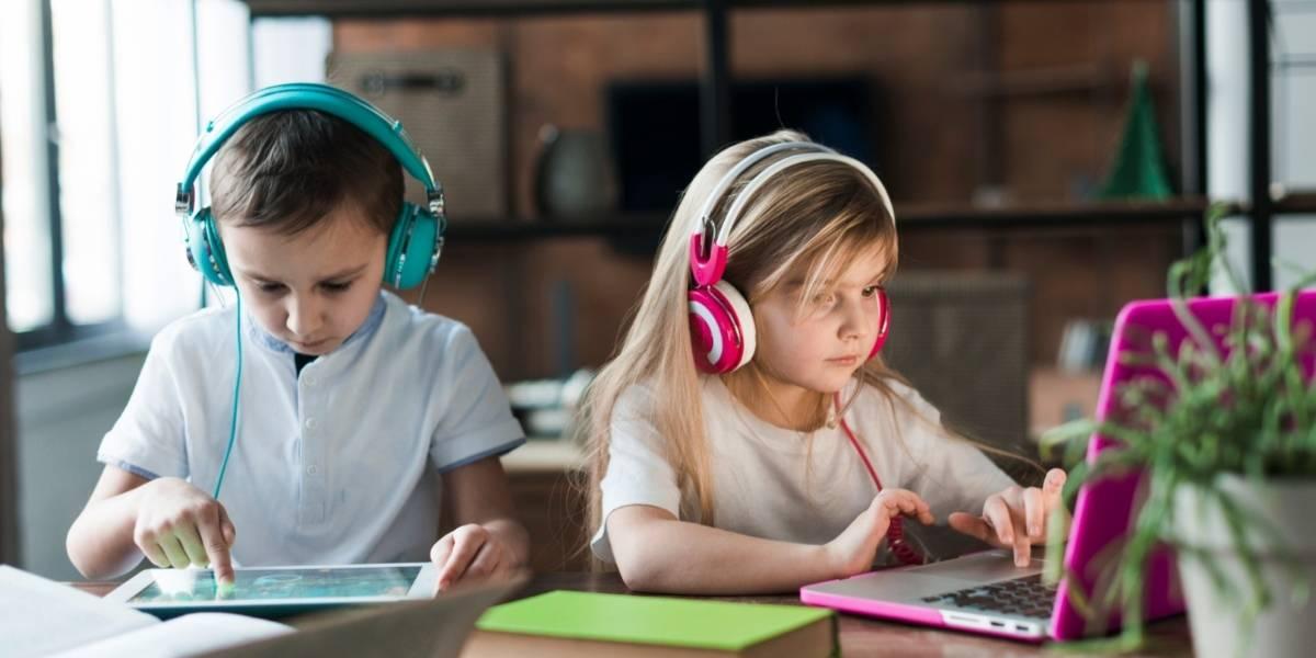 Uso da internet por crianças e adolescentes: maioria usa celular para acessar a rede, diz pesquisa