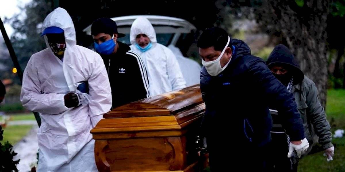 Drama en el Hospital Barros Luco: familia pasó casi tres días sin encontrar el cuerpo de su fallecida madre por covid-19