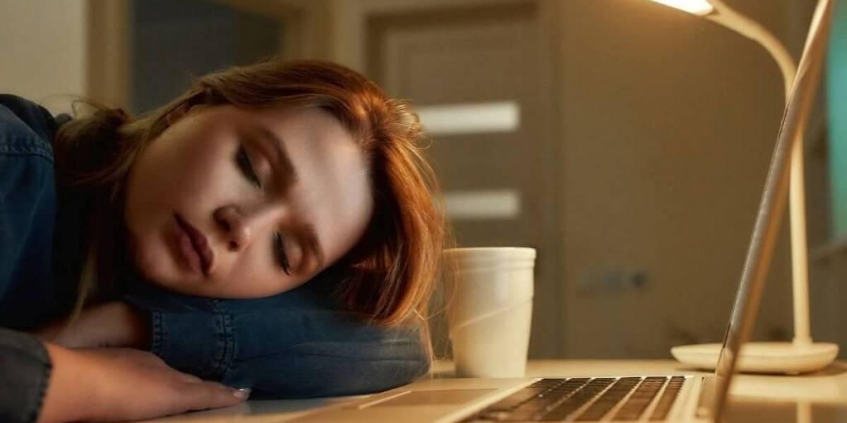 É normal sentir cansaço em casa durante o isolamento social