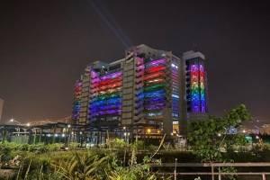 Medellín se ilumina con los colores del arcoíris
