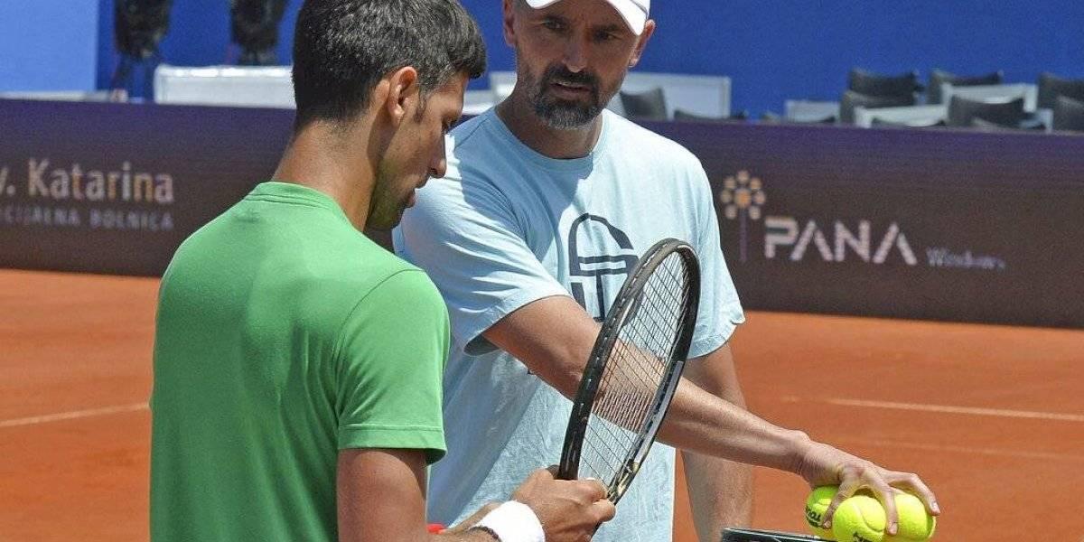 Entrenador de Novak Djokovic da positivo a COVID-19